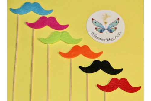 Photo booth moustaches couleur