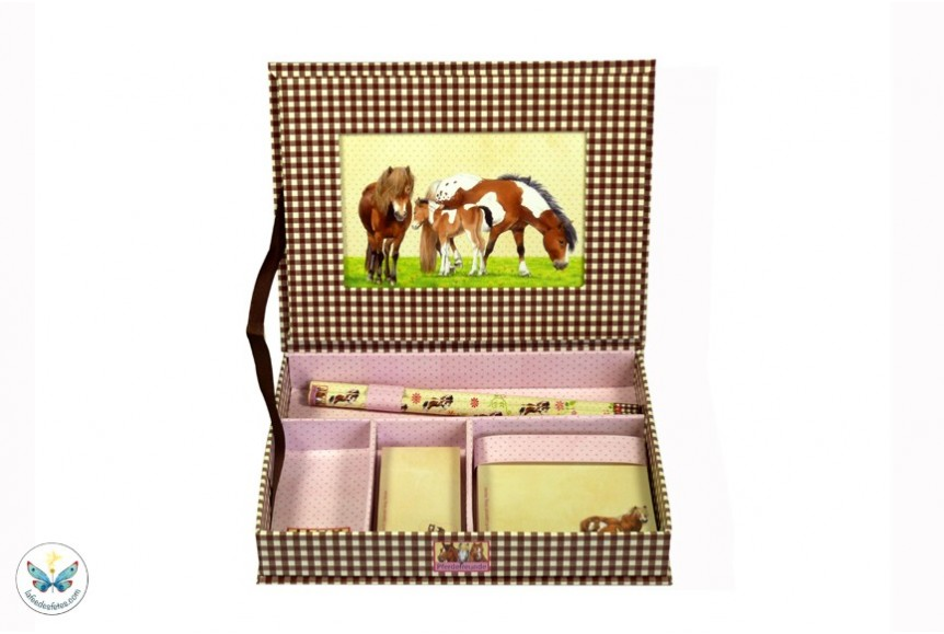set de bureau de la collection amis des chevaux. Black Bedroom Furniture Sets. Home Design Ideas