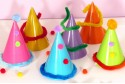 Chapeaux pointus de fêtes d'enfants