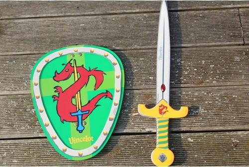 Bouclier et épée en mousse de chevalier
