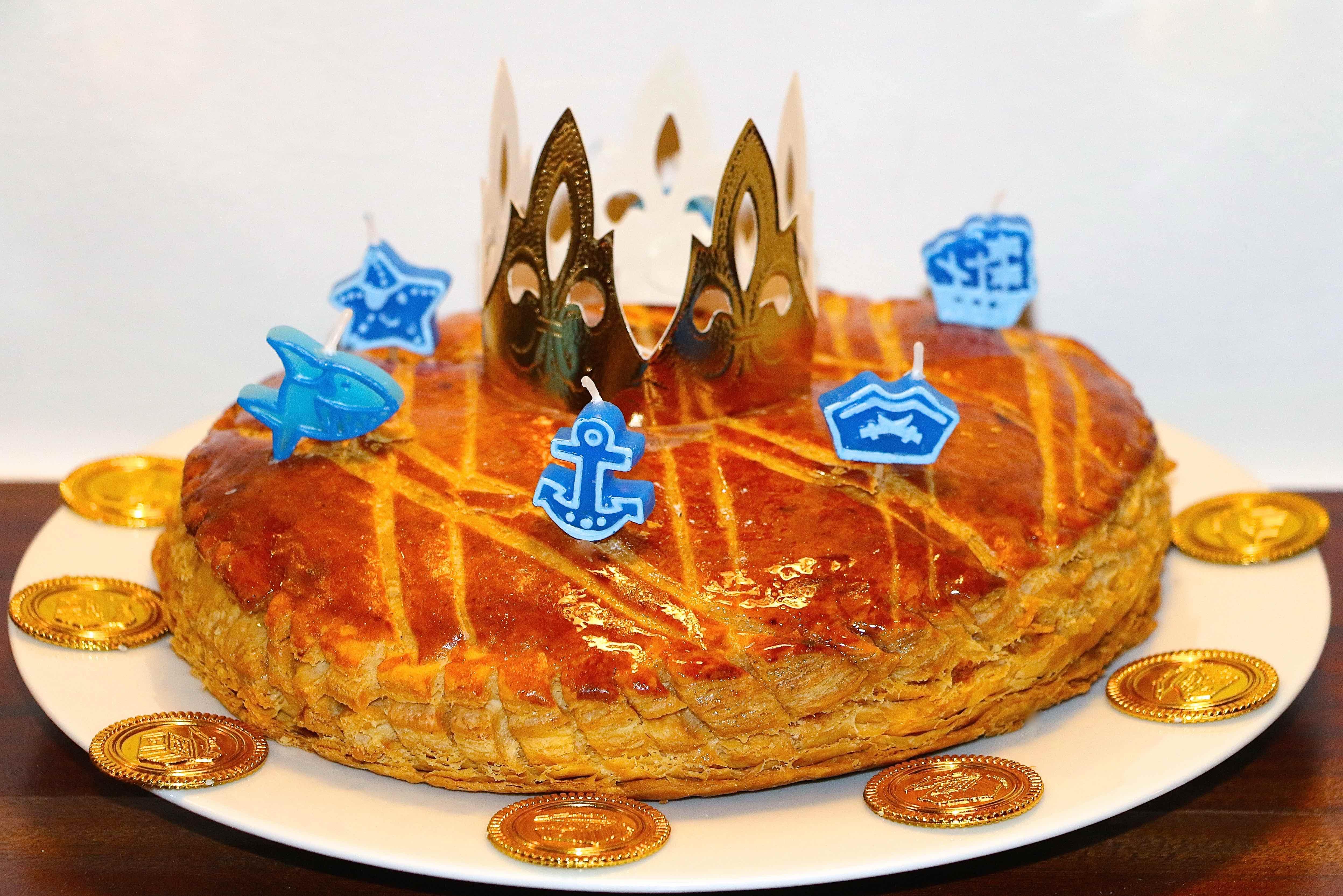 Comment faire une galette d 39 anniversaire la f e des f tes - Decor galette des rois ...