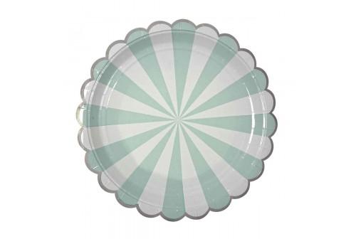 Assiettes vert d'eau et blanches