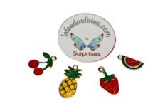 Pendentif emaillé fruits