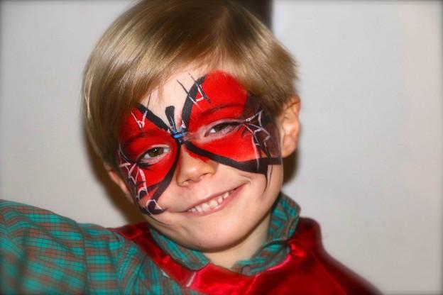 Un maquillage super héro pour l'anniversaire de garçon et le carnaval.